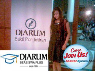 Saya tidak pernah mengeluarkan biaya sepersen pun semasa kuliah berkat beasiswa dari Djarum. Saya bangga menerima beasiswa Djarum!
