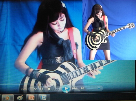 Playing guitar and this is my favorite electric guitar, Gibson Les Paul Zakk Wylde!