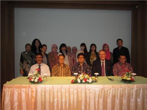 Desember 2012, mengikuti Konferensi Internasional Asosiasi Pengajar Hak Kekayaan Intelektual Indonesia.